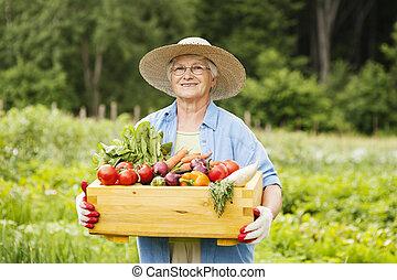 Sênior, mulher, legumes