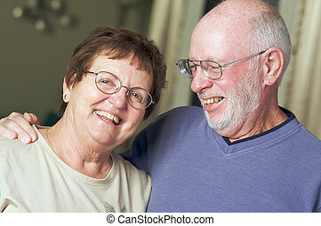 sênior, par feliz, adulto