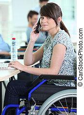 sílla de ruedas, mujer, joven, ella, escritorio