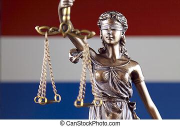 símbolo, de, ley, y, justicia, con, países bajos, flag., cierre, arriba.