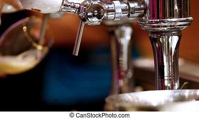 sör, bár, önt
