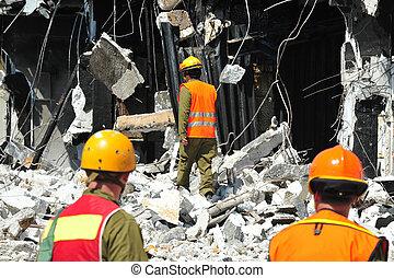 søgen og redning, igennem, bygning, rubble, efter, en,...