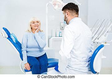 sørgelig kvinde, har, dental appointment