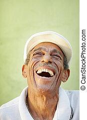 sędziwy, latino, człowiek, uśmiechanie się, dla, radość