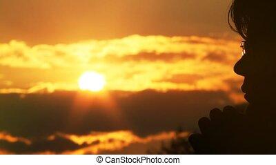 słońce, modli się, człowiek