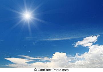 słońce, na, błękitne niebo