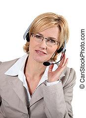 słuchawki, portret kobiety