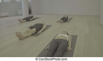 S-log. Yoga class. Ubhaya padangusthasana - S-log. Yoga...