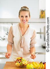 sałata, młody, gospodyni, owoc, zrobienie, szczęśliwy, kuchnia