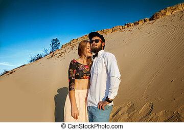 sable, jour, amour, couple, heureux, dunes, valentine, concept