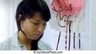 sac sang, analyser, technicien, 4k, laboratoire