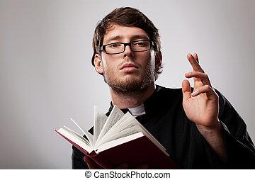 sacerdote, biblia santa
