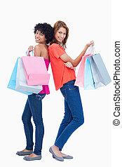 sacolas, adolescente, shopping, meninas, dois, segurando