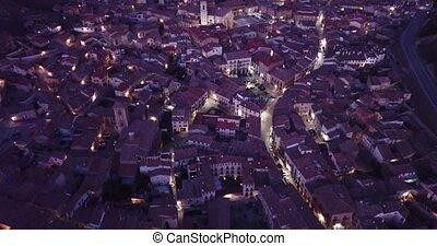 sacré, soir, corps, ville, rue., éclairé, daroca, moyen-âge, vue, basilique, marie, espagnol