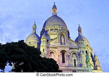 Sacre Coeur in Paris - The magnificent Basilique du Sacre...