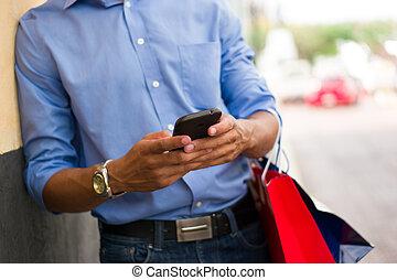 sacs, achats, africaine, téléphone, américain, dactylographie, message, homme