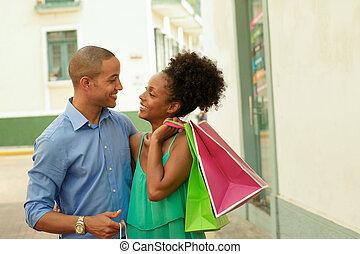 sacs, achats, ville, couple, américain, porter, africaine, panama