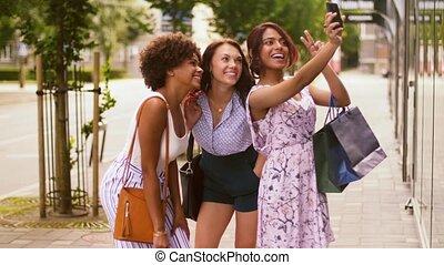 sacs, achats, ville, selfie, prendre, femmes