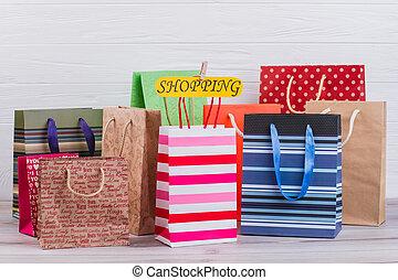 sacs, assorti, papier, achats, arrière-plan.