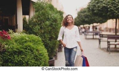 sacs, marche, achats femme, fashion-monger, bas, rue, heureux