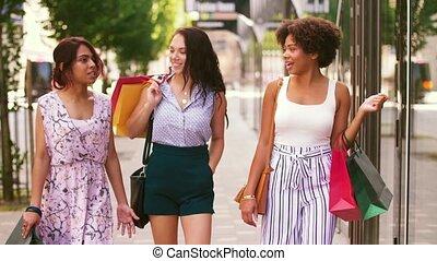 sacs, marche, achats, ville, femmes, heureux