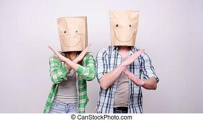 sacs, têtes, danse, couple, jeune, leur, papier, heureux