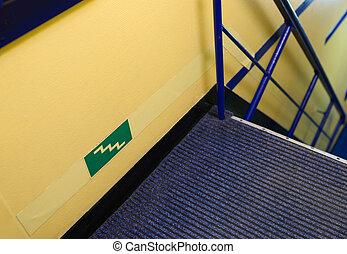 Safety information sign step - Safety information sign -...