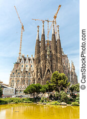 Sagrada Familia Barcelona - Sagrada Familia Church in...