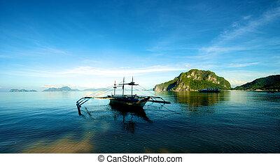Sailboat in El Nido