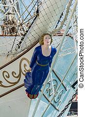 Figurehead of a woman on a sailing ship