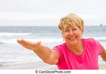 sain, femme aînée, exercice