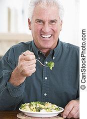 sain, personne agee, repas mangeant, homme