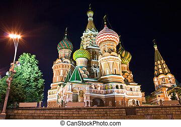 Saint Basil\'s Cathedral at night