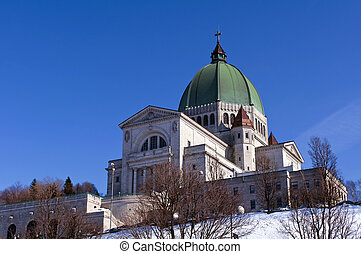 Saint Joseph Oratory. - View of the Saint Joseph Oratory in...