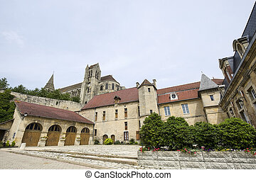 Saint-Leu (Oise, Picardie, France) - Ancient buildings: townhall and gothic church