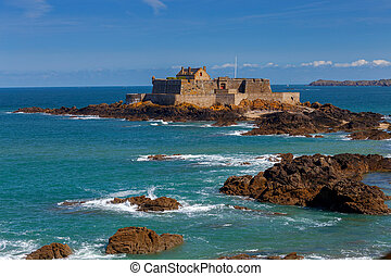 Saint Malo. Fort National on the island.