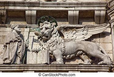 Saint Marks Winged Lion Venetian Symbol Freize Statues Scuplture