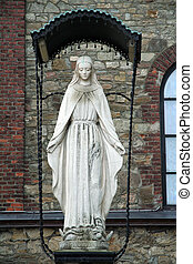 Saint Mary satue