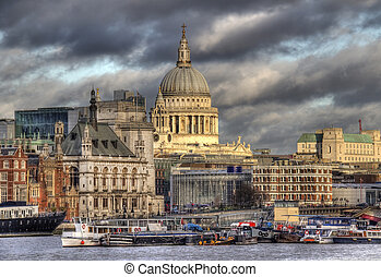 Saint Pauls Cathedral in London from across the Thames -...