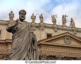 Vatican - Saint Peter statue in front of the Vatican ...
