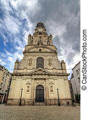 Sainte-Croix de Nantes wide angle - Beautiful wide angle ...