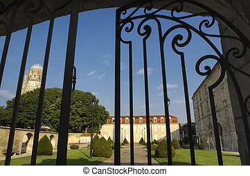 Saintes (Charente-Maritime, Poitou-Charentes, France): historic city at summer. Palace and its garden