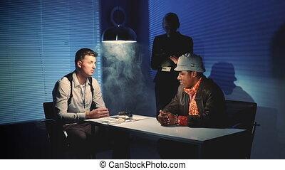 saisir, multiracial, fusil, mal, détectives, menacer, interrogation, processus, offenseur, pendant