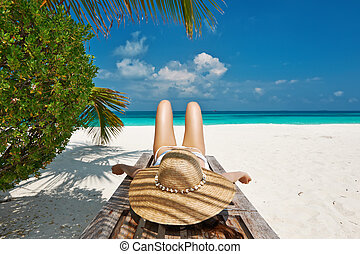 salón, chaise, mujer, playa, acostado