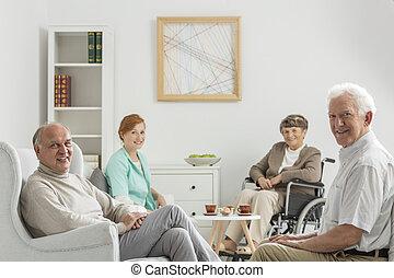 salón de recreo, con, seniors