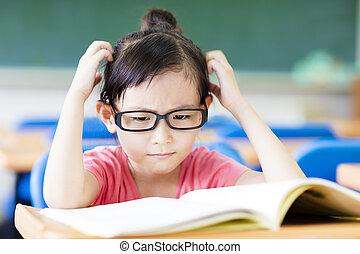 sala aula, deprimido, pequeno, estudo, menina