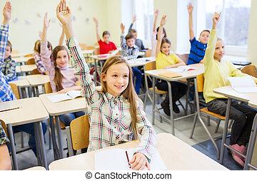 sala aula, escola brinca, grupo, mãos, levantamento