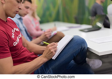 sala aula, levando, macho, notas, estudante