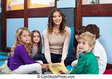 sala aula, livro, crianças, professor