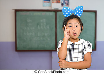 sala aula, menina, asiático, apontar